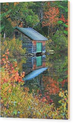 Chocorua Boathouse Wood Print