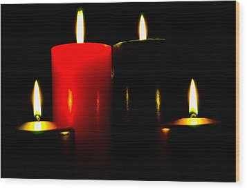 Christmas Candles 7a Wood Print by Steve Ohlsen