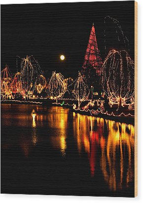 Christmas Glow Wood Print by Lana Trussell