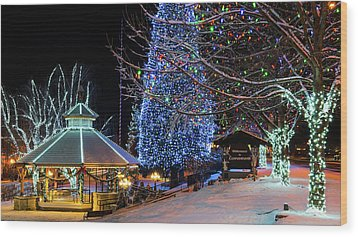 Wood Print featuring the photograph Christmas In Leavenworth by Dan Mihai