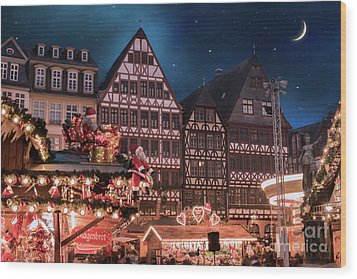 Wood Print featuring the photograph Christmas Market by Juli Scalzi