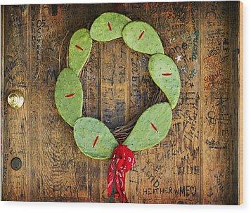Christmas Wreath Wood Print by John Gusky
