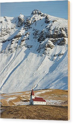 Church And Mountains In Winter Vik Iceland Wood Print by Matthias Hauser
