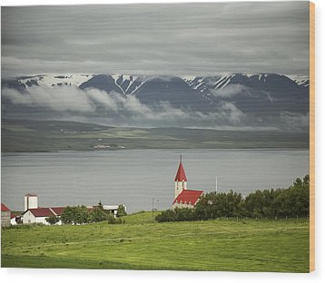 Church In Akureyri Wood Print