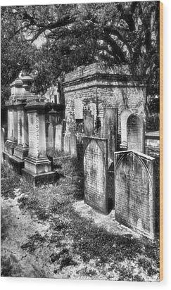 Churchyard Of Old Charleston Wood Print by Steven Ainsworth
