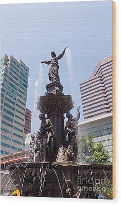 Cincinnati Fountain Tyler Davidson Genius Of Water Wood Print by Paul Velgos