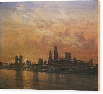 Cincinnati Skyline Wood Print by Tom Shropshire