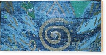 Circular Gold On Blue Wood Print by Anne-Elizabeth Whiteway