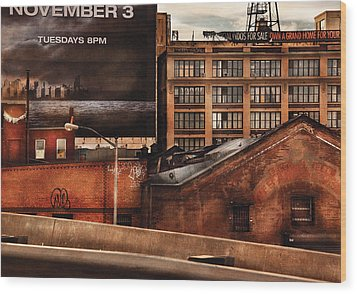City - Ny - New York History Wood Print by Mike Savad