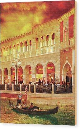 City - Vegas - Venetian - Life At The Palazzo Wood Print by Mike Savad