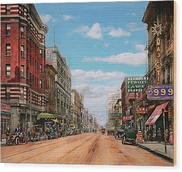City - Memphis Tn - Main Street Mall 1909 Wood Print by Mike Savad