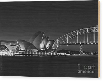 Classic Elegance In Bw Wood Print by Andrew Paranavitana