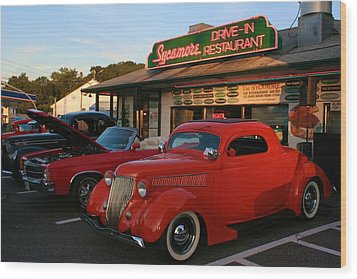 Wood Print featuring the photograph Classic Red Car In Front Of The Sycamore by Polly Castor