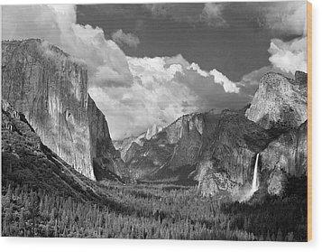 Clearing Skies Yosemite Valley Wood Print