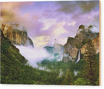 Clearing Storm Over Yosemite Valley Wood Print by Edward Mendes