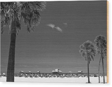 Clearwater Beach Bw Wood Print by Adam Romanowicz
