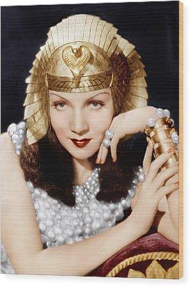 Cleopatra, Claudette Colbert, 1934 Wood Print by Everett