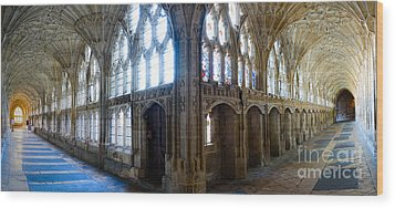 Cloisters, Gloucester Cathedral Wood Print by Colin Rayner