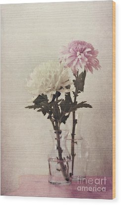 Closely Wood Print by Priska Wettstein