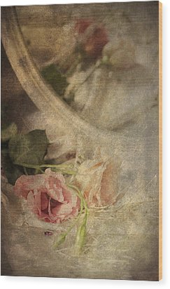 Closeup Of Flowers In Mirror Reflection Wood Print by Ethiriel  Photography