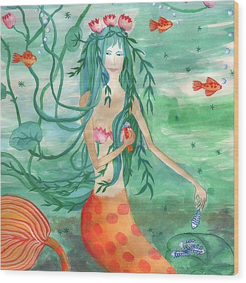 Closeup Of Lily Pond Mermaid With Goldfish Snack Wood Print by Sushila Burgess