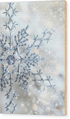 Closeup Of Snowflake Wood Print by Sandra Cunningham