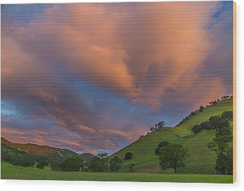 Clouds Above Round Valley At Sunrise Wood Print