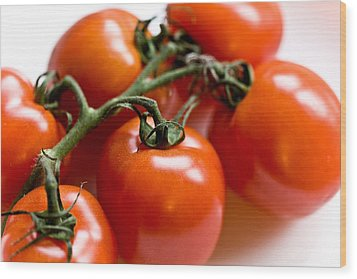 Cluster Of Tomatoes Wood Print by Hakon Soreide
