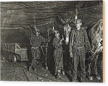 Coal Mine Mule Drivers  1908 Wood Print by Daniel Hagerman