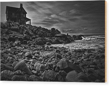 Coastal Home  Kennebunkport Maine Wood Print by Bob Orsillo
