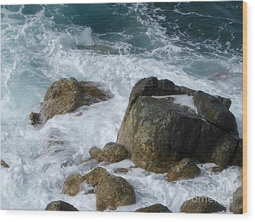 Coastal Rocks Trap Water Wood Print by Margaret Brooks