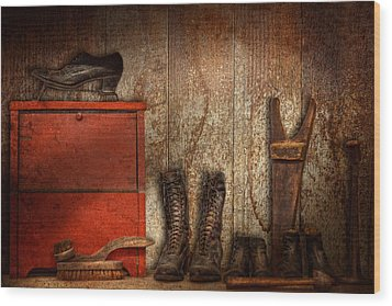 Cobbler - The Shoe Shiner 1900  Wood Print by Mike Savad