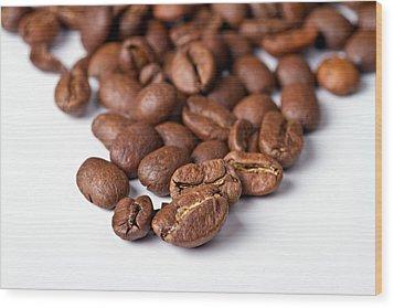Coffee Beans Wood Print by Gert Lavsen