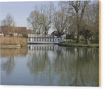 College Barge At Sandford Uk Wood Print by Mike Lester