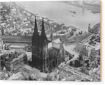 Cologne, Germany, The Cologne Cathedral Wood Print by Everett