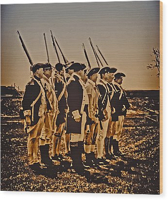 Colonial Soldiers On Parade Wood Print by Bill Cannon