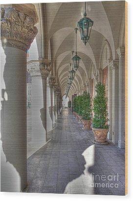 Colonnade At The Venetian Wood Print by David Bearden
