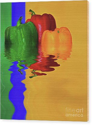 Wood Print featuring the photograph Color Pop Peppers By Kaye Menner by Kaye Menner