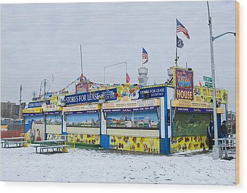 Colorful Coney Island Stand Wood Print by Andrew Kazmierski