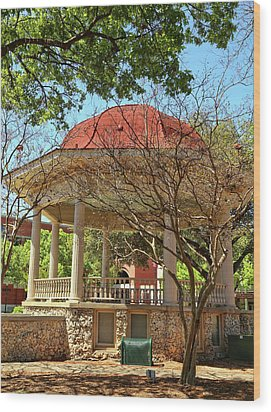 Comal County Gazebo In Main Plaza Wood Print by Judy Vincent