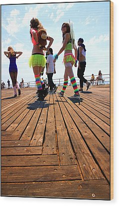 Coney Island Encounters Wood Print by Valentino Visentini