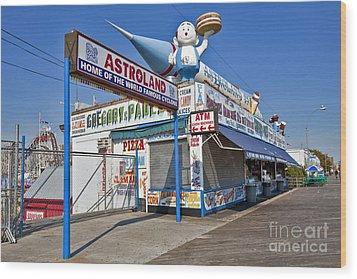 Coney Island Memories 11 Wood Print by Madeline Ellis