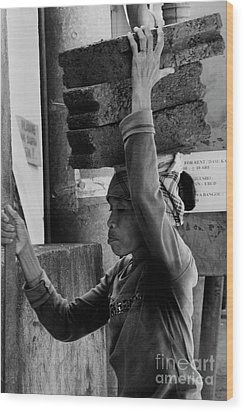 Wood Print featuring the photograph Construction Labourer - Bw by Werner Padarin