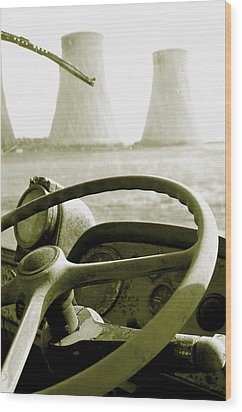 Wood Print featuring the photograph Cooling Commer by Jez C Self