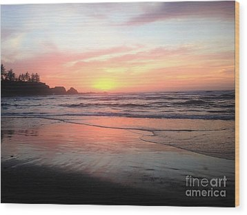 Coos Bay Wood Print by Linda Shackelford