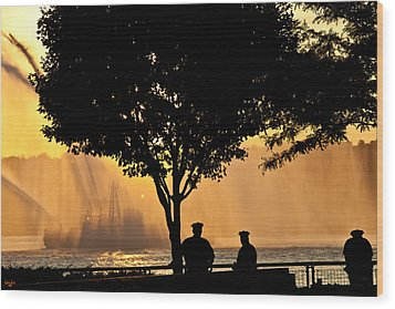 Cops Watch A Fireboat On The Hudson River Wood Print by Chris Lord