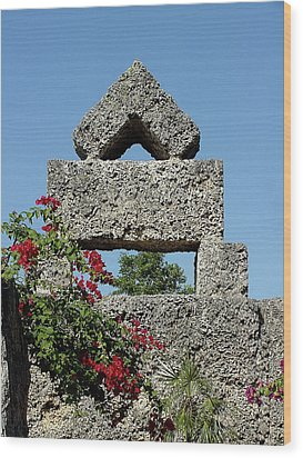 Coral Castle For Love Wood Print by Shirley Heyn
