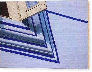 Cornering The Blues Wood Print by Prakash Ghai