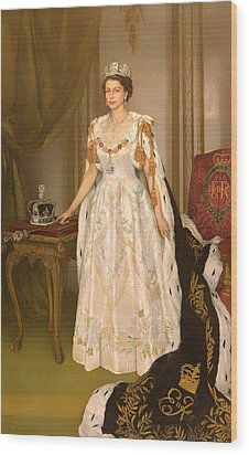 Coronation Portrait Of Queen Elizabeth II Of The United Kingdom Wood Print by Mountain Dreams
