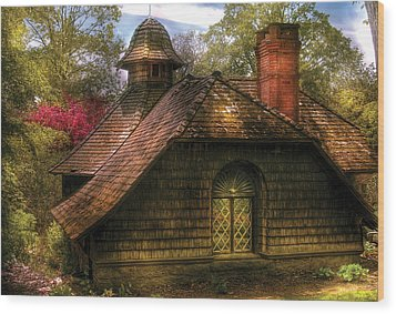 Cottage - Sweet Old Lady House Wood Print by Mike Savad